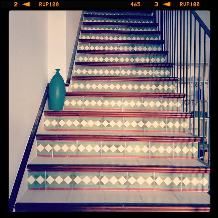 M s de 25 ideas incre bles sobre escaleras de baldosas en - Baldosas para escaleras ...