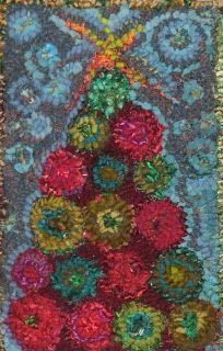 Laura Kenney Rugs: Hooked Christmas Tree