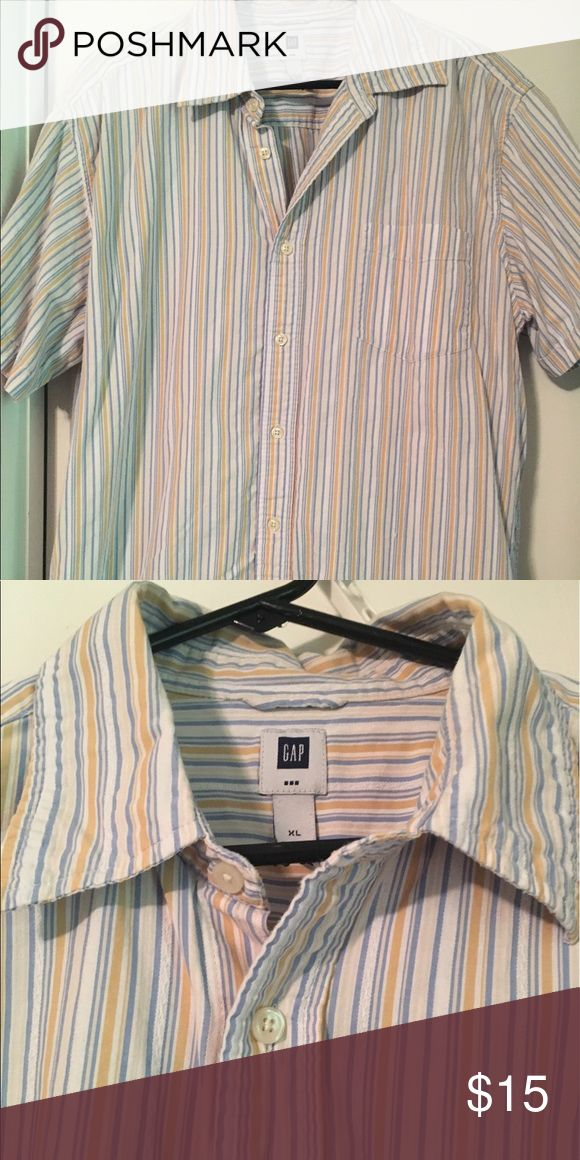 Gap men's striped button down short sleeve shirt Gap Men's striped button down short sleeve top. In great condition, worn only a few times. GAP Shirts Casual Button Down Shirts