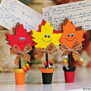 -Cute leaf holder - love it! These would make a great gift with favorite fall recipe