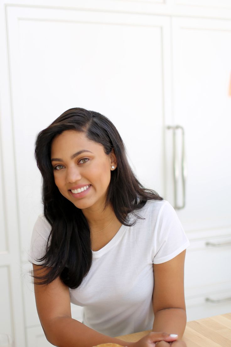Maxximizer and founder of blog Little Lights of Mine, Ayesha never knows what the day will bring as she juggles a crazy to-do list, cooks up new recipes in the kitchen, cares for her two young daughters and cheers on her husband during a game.