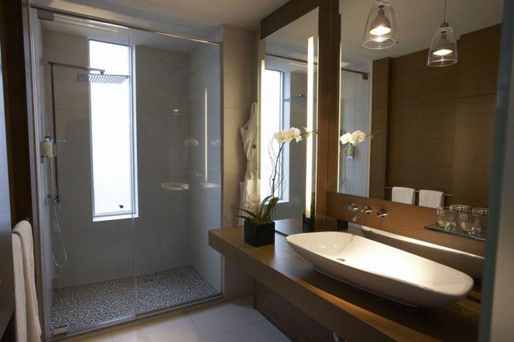 Bathroom Ideas For Small Spaces; Small Bathroom Has Big Advantage : Amazing Superb Lodge Bathroom Ideas