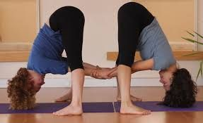 yoga poses for two people - Pesquisa Google