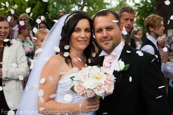 The wonderful Mr & Mrs Goosen got married in Camberley, UK. It was a privilege to be there and to capture their big day.