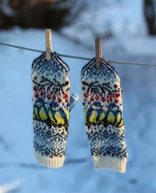 Ravelry: Titbirds Mittens pattern by Natalia Moreva