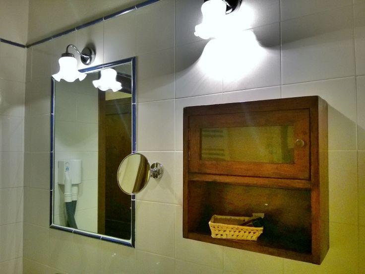 I nostri bagni, con armadietti originali inizio secolo. Our bathroom with original ancient closet. http://www.montecorneo.com/index.php