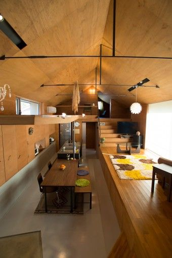別荘のような和やかな空間。窓は制限してプライバシーも確保。