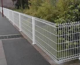 Welded Wire Fence from PVC coated or galvanized weld wire panels