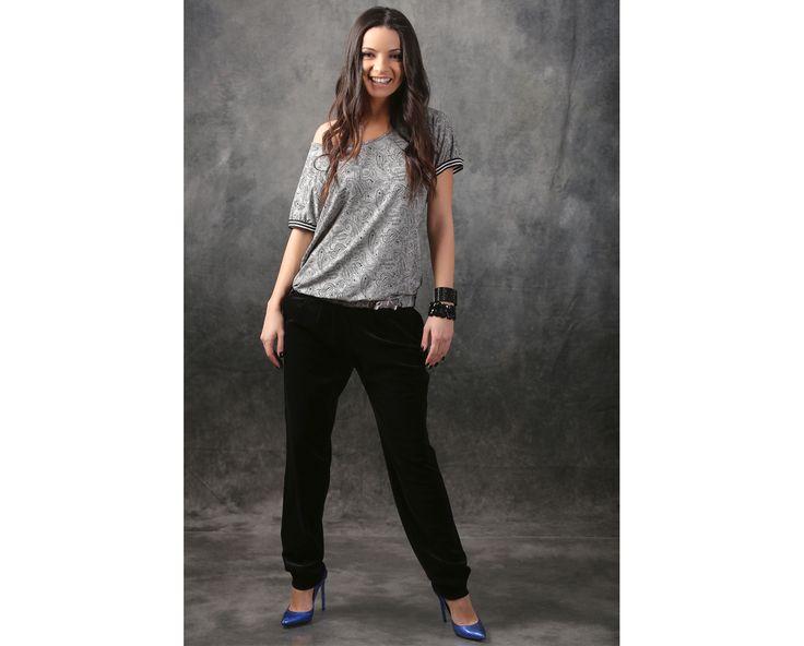 Velvet pants & casual blouse  YOKKO | spring17 #casualoutfit #pants #blouse #grey #spring #woman #fashion #style #yokko