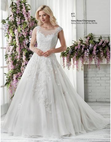 A-linie Romantische Glamouröse Brautkleider aus Tüll mit Applikation