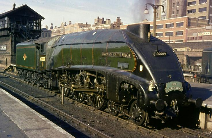 BR (LNER)  Gresley A4 class  4-6-2  No 60009 'Union of South Africa'