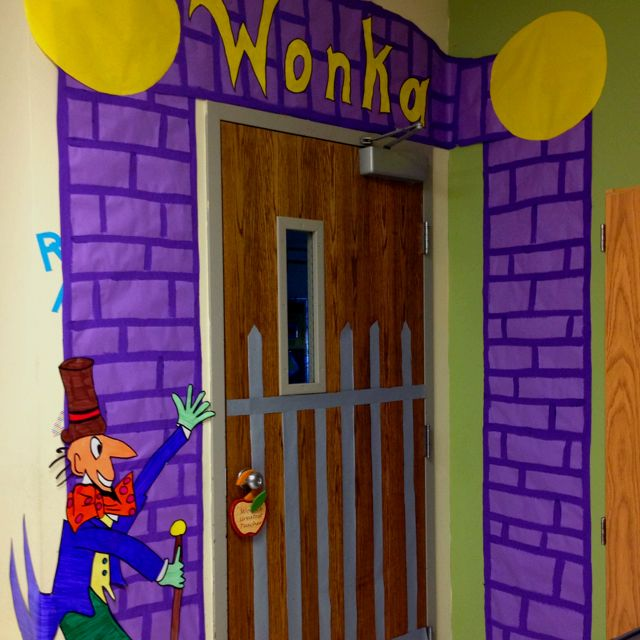 26 best favorite book classroom doors images on pinterest for Puerta willy wonka