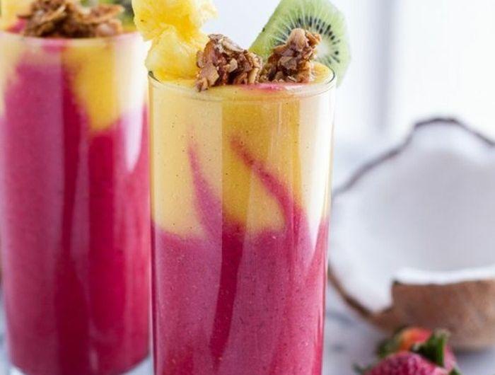 recette-de-smoothie-au-gout-tropical-kiwi-fraises-et-ananas