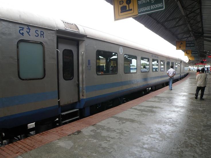 Chennai <-> Mysore Shatabdi-Express-Train at the Mysore Railway Station, Mysore, Karnataka, India