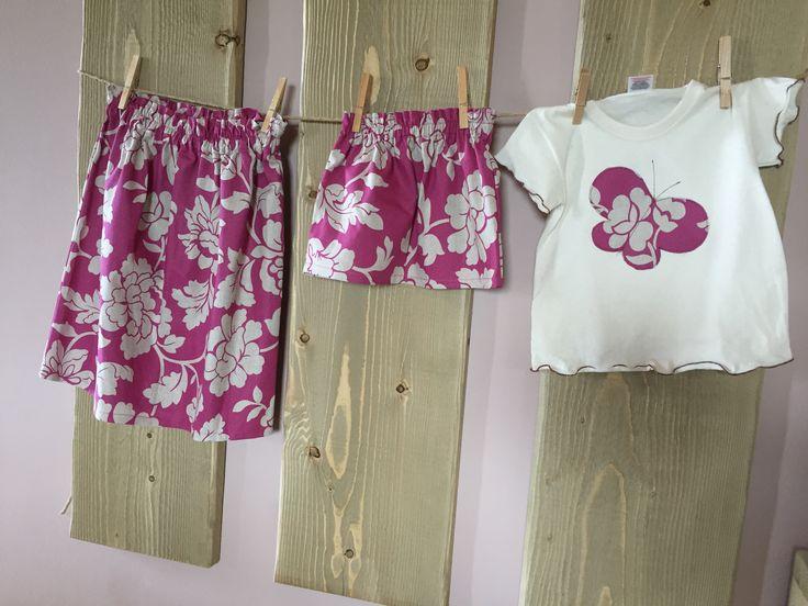 Gonne uguali mamma e bimba, t-shirt con farfalla applicata. Handmade, fatto a mano by còcoe