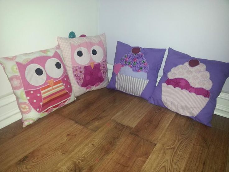 These small pillows are very easy to do, but of course you're going to need a sewing machine. But you could just as well use fabrics glue. - See more at: http://www.apocketfullofscrews.com/project/small-pillow-cushion-owls-and-muffins