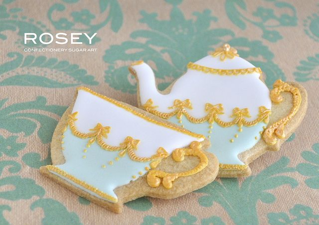HIGH TEA by ROSEY Sugar Art, via Flickr - wow this lady is talented!! Gorgeous sugar art!