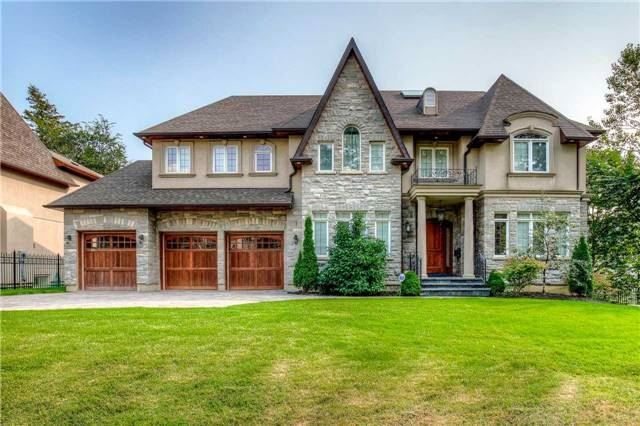 New Custom Built, Hardly Lived In Home Conveniently Located At The Bayview And Fifeshire Area. Approx 4,340Sqft+ Fnshd W/O Bsmt, Luxurious Feats And Beautful Upgrded Finishes Adorn This Majestic Home. Entrtnrs Dream W/ Prncpl Rms. Stunning Opn Concept Ktchn W/ Granite Countrs & S/S Apps. Oak Hw Flrs, Crown Moulding, Wainscoting, Coffered Ceiling & Pot Lights Thru-Out. Spacious Master Bdrm W/ Beautiful Gas Frplce. It Is Complemented By Lrg Drssng Room