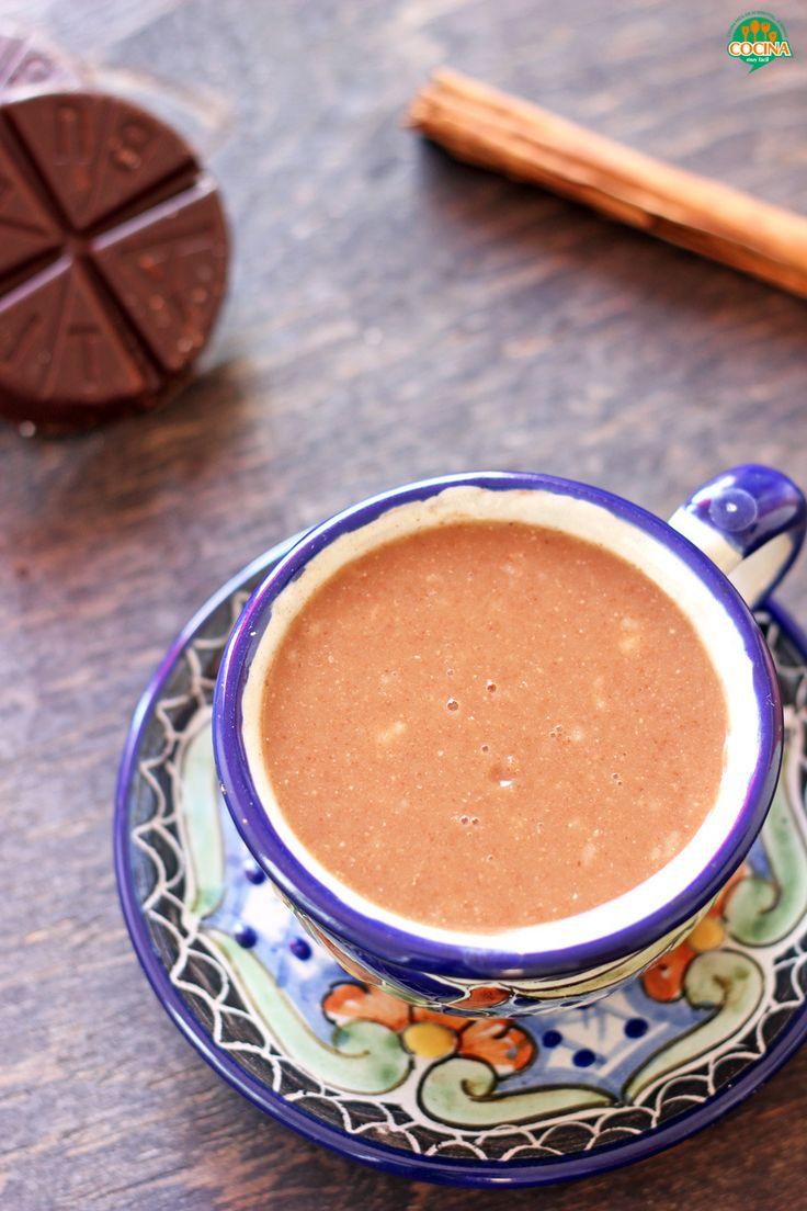 Receta tradicional mexicana de champurrado o atole de masa y chocolate, para acompañar los tamales del Día de la Candelaria http://cocinamuyfacil.com/champurrado-receta-tradicional-mexicana/