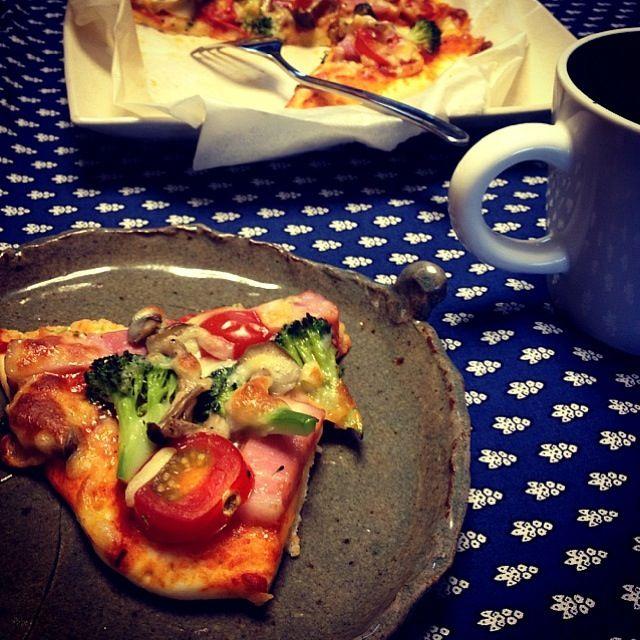 ベーコン、きのこ、ブロッコリー、トマトのピザ。 - 9件のもぐもぐ - 手作りピザ。 by GN820