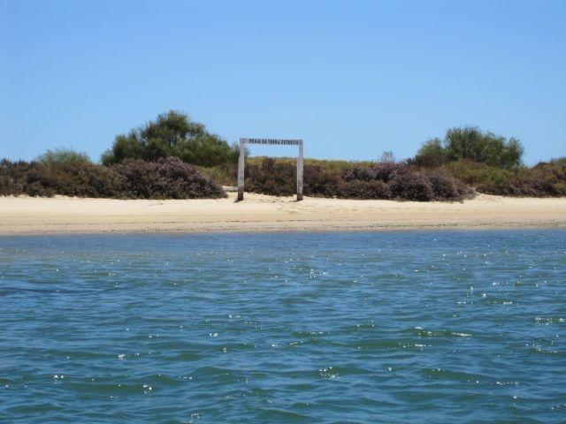 Terra Estreita Access to the beach