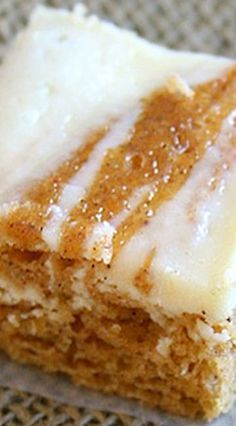 Pumpkin Roll Bars Recipe ~ all the pumpkin-and-cream-cheese goodness without the rolling.