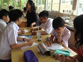 Sekolah Kuntum Cemerlang atau lebih banyak dikenal dengan singkatan SKC adalah sekolah menarik yang ada di Bandung. Banyak sekali program yang ditawarkan untuk anak didiknya dalam memberikan pengalaman belajar yang menyenangkan. Dengan pendekatan belajar yang holistik, di SKC kita akan menemukan paduan belajar dengan kegiatan yang menarik untuk anak-anak