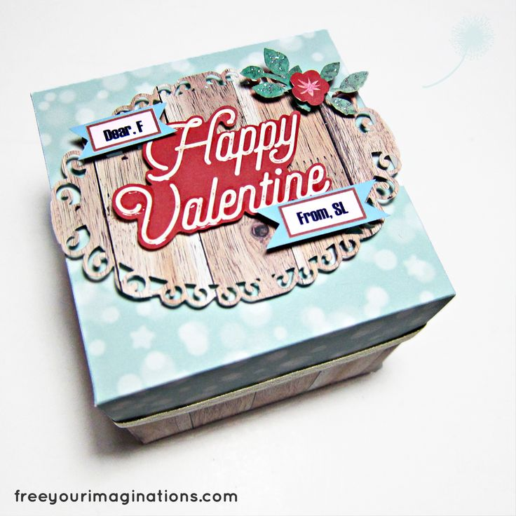 This is the Outside View of VALENTINE GIFT for girlfriend with English Vintage Design Theme Featuring Rotational 3D Love in the middle