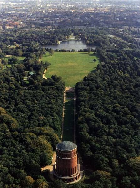 Hamburg - Planetarium im Stadtpark