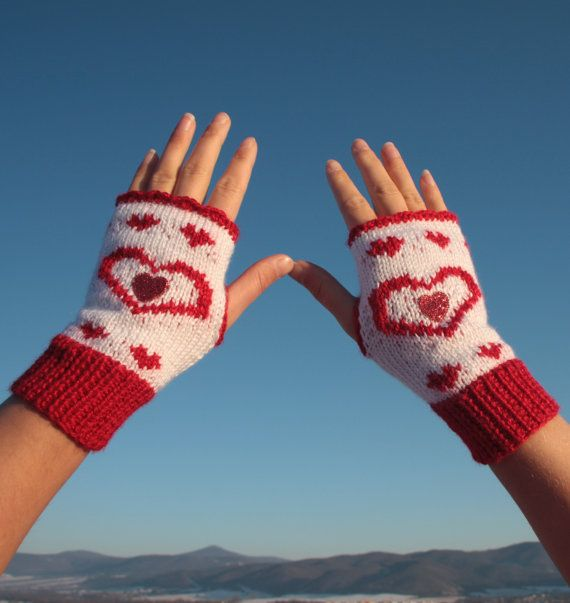 Valentine's fingerless gloves Red and white by NevelynkaNasha