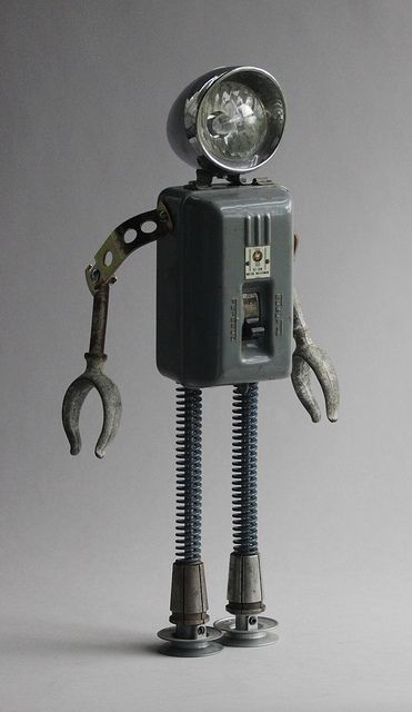 found object robot assemblage sculptures by brian marshall   Flickr: Intercambio de fotos