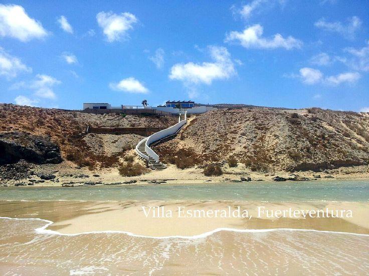 in Costa Calma: 4 Schlafzimmer, für bis zu 10 Personen, ab 1500 € pro Woche. Villa Esmeralda !! Spektakuläre Villa am Strand | FeWo-direkt