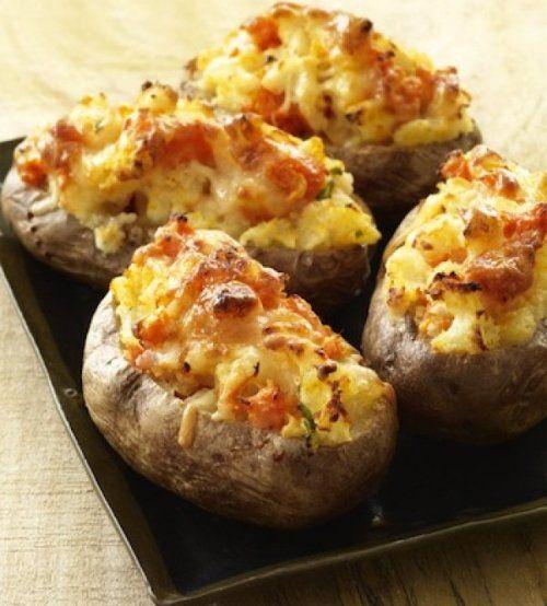 ΠΑΤΑΤΕΣ ΜΕ ΛΑΧΑΝΙΚΑ Υλικά: • 2 μέτριες πατάτες • 2 φέτες τυρί με χαμηλά λιπαρά • 2 φέτες βραστή γαλοπούλα (αλλαντικό) ψιλοκομμένες ή 1 φιλέτο κοτόπουλο βρασμένο και κομμένο σε κυβάκια • 1 μέτρια κίτρινη πιπεριά • 1 μέτρια πορτοκαλί πιπεριά • 1 μέτρια ...
