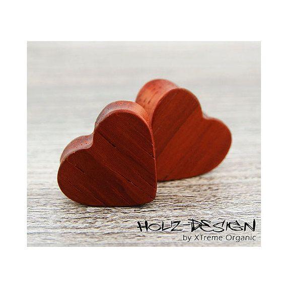 10-60 mm Paar Pair Holz Herz Flesh Tunnel Heart Ohr Plugs von XTremeOrganic, €38.00  10-60 mm Pair Wooden Heart Flesh Tunnels, Wood Heart Shaped Gauge Plugs on Etsy, €38.00
