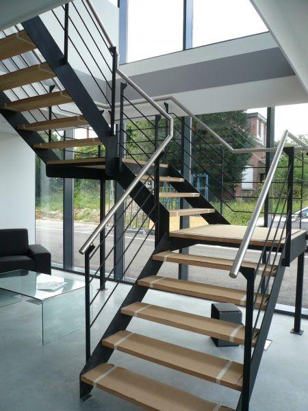10 idee n over hout trapleuningen op pinterest leuningen trapleuningen en trap verbouwen - Decoratie interieur trap ...