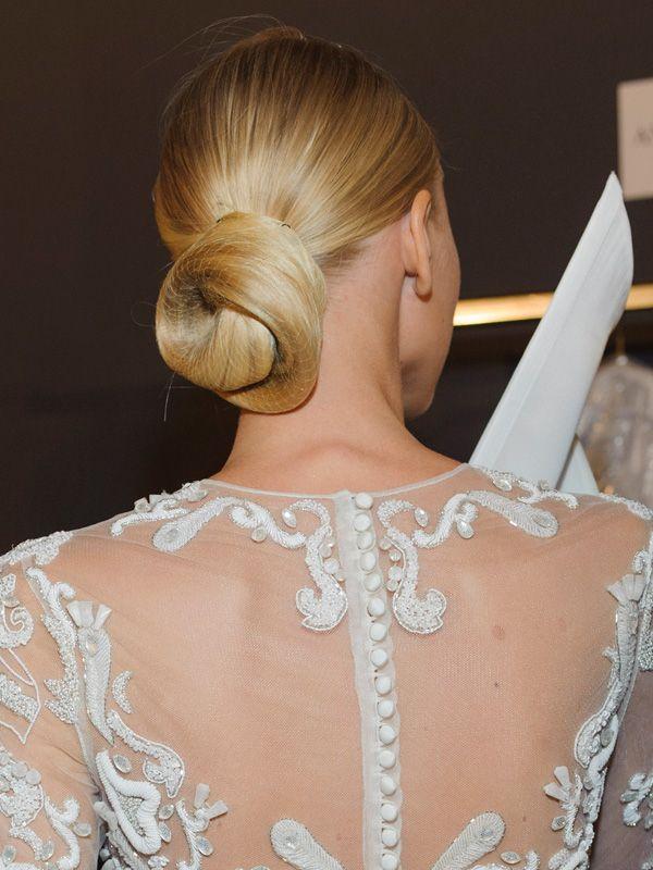 Brautfrisur mit Haarknoten