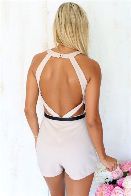 We love this amazing, beige playsuit featuring textured, easy-care fabric, an exposed back and button closures at back neck. Regular fit, mini style. Complete the look with silver jewellery! By Sabo Skirt.