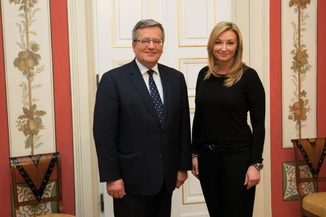President Bronislaw Komorowski and Martyna Wojciechowska (Fig. National Geographic Poland). On the occasion of the 125th anniversary of the National Geographic Society National Geographic magazine editors invited Poland to participate in the anniversary of eminent scientists, adventurers and explorers. The celebration ended with a meeting with Polish President Bronislaw Komorowski. | added 2013-12-18 (15:35) |