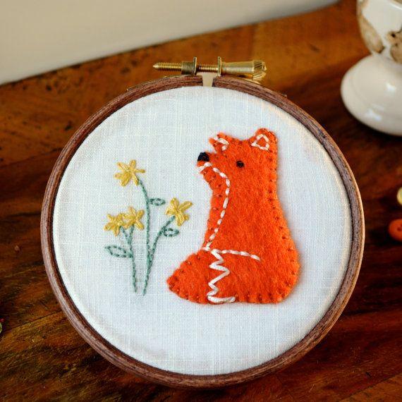 Woodland Fox - Embroidered Hoop Art / Felt Applique / Textile Wall Hanging