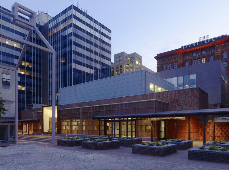 Muzeum Benjamina Franklina. Filadelfia, Stany Zjednoczone. Szkło: SGG PLANITHERM, SGG DIAMANT, SGG SERALIT. #glass #architecture #desing #museum