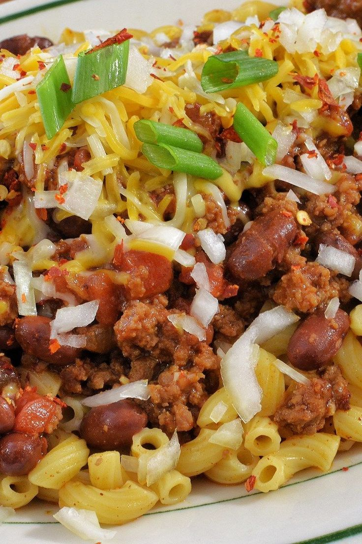 Weight Watchers One Pot Chili Macaroni Recipe with Ground Beef, Onion, Mexican Stewed Tomatoes, Green Chiles, Tomato Juice, Chili Powder, Pinto Beans, Elbow Macaroni, and Low Fat Cheddar Cheese - 10 Minute Prep Time - Make Ahead and Freezer Friendly