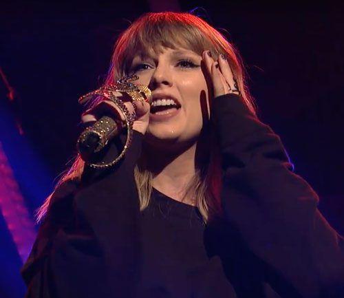 "Hizo Taylor Swift Lip-Synch En ""Saturday Night Live"" Ayer Por La Noche?"