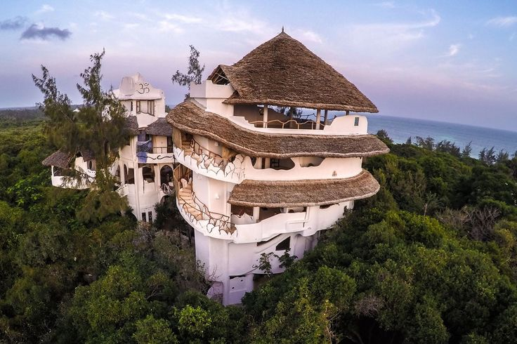 Eagle eye view of the Treehouse - holiday home and Yoga Retreat Centre