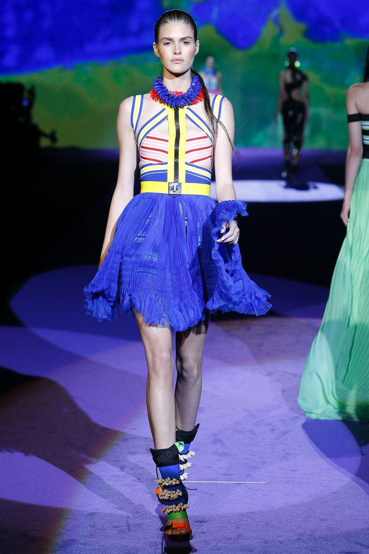 Dsquared2 Spring 2016 Ready-to-Wear Fashion Show