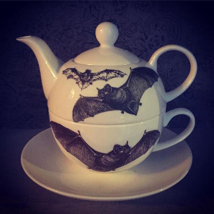 Hand printed bat tea set!
