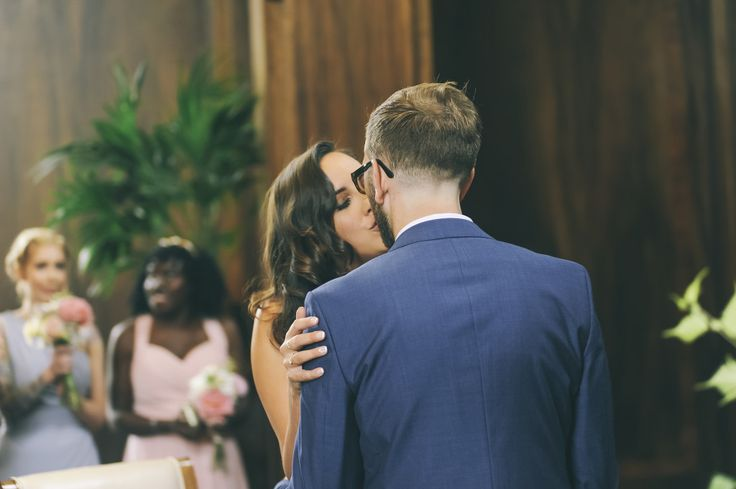 The first kiss as a married couple // Leo+Victoria // destination wedding photographer in London // bottega53