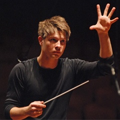 Krzysztof Urbanski. So much hotness and win in one conductor.