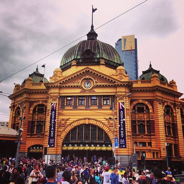 Melbourne, Flinders Street Station...