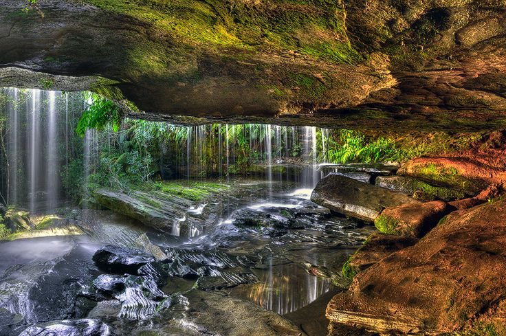 Somersby falls waterfall cave Cenntral Coast NSW Australia ...