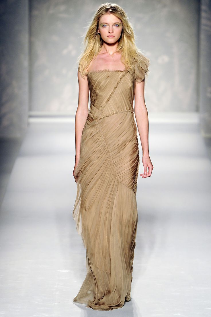 Pin on awesome *nude/brown/gold/peachy * dresses and gowns